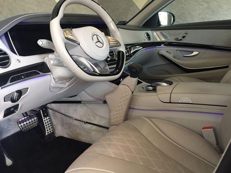Mercedes AMG przystosowany dla osoby niepełnosprawnej w ręczny gaz i hamulec marki Veigel model Compact Individual przez Marach Bydgoszcz Serwis