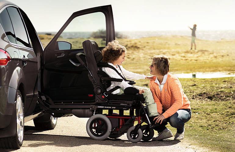 Fotel obrotowy do samochodu dla niepełnosprawnych dzieci