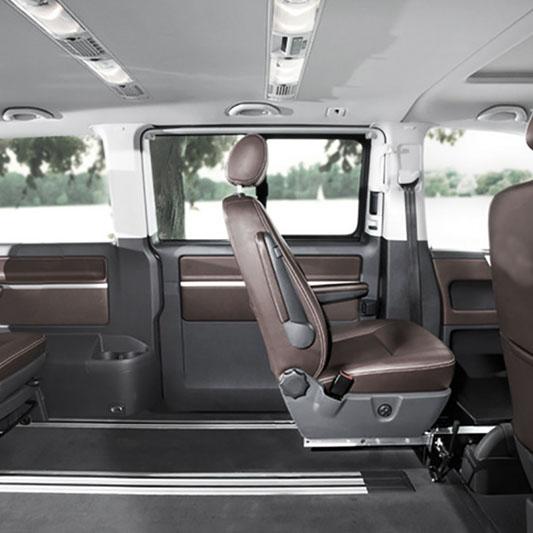 Wysuwany fotel dla niepełonsprawnego kierowcy Veigel Slider Seat