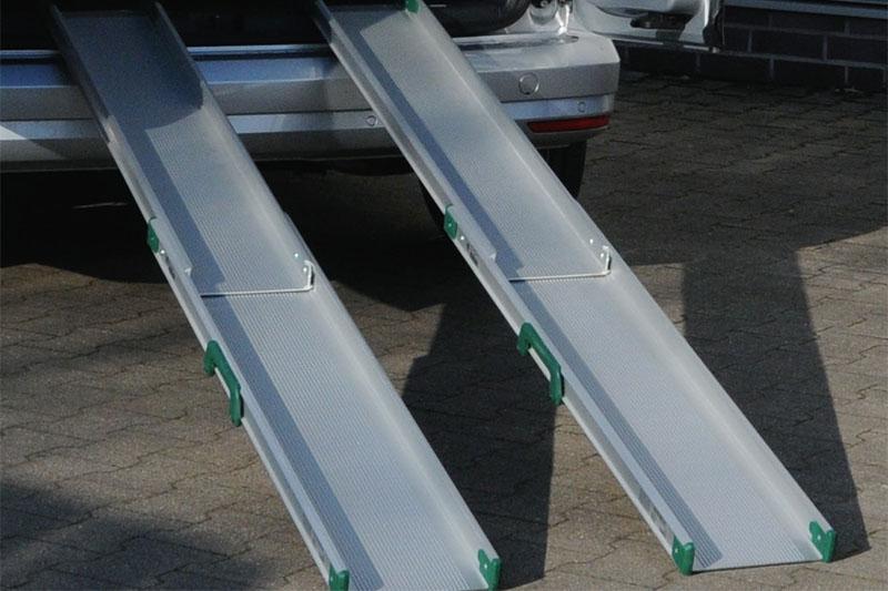 Najazdy dla niepełnosprawnych, składane z lekkich profili aluminiowych